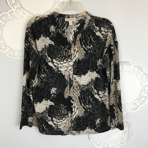 Dana Buchman Tops - Perfect Travel Blouse Light Comfy Knit Size Small